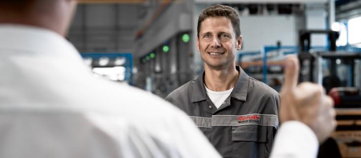 Bosch Rexroth service operator doing a good job