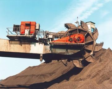 Bucket wheel reclaimer handling gravel
