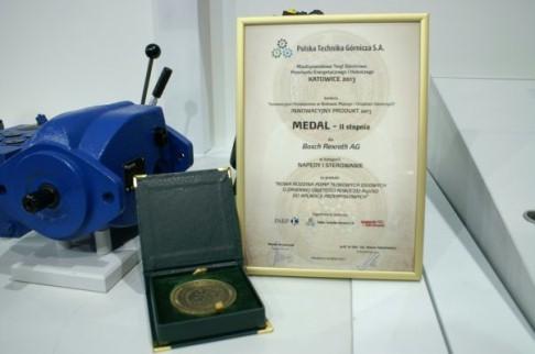 Medal II stopnia - nowa rodzina pomp tłokowych osiowych o zmiennej objętości roboczej A15VS do aplik