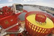 Potężne urządzenie rozwijające: nowoczesne cylindry hydrauliczne pomagają w instalacji kabli podwod