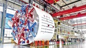 Maszyna drążąca o przekroju podkowy ma wysokość ponad 10 metrów i długość 110 metrów